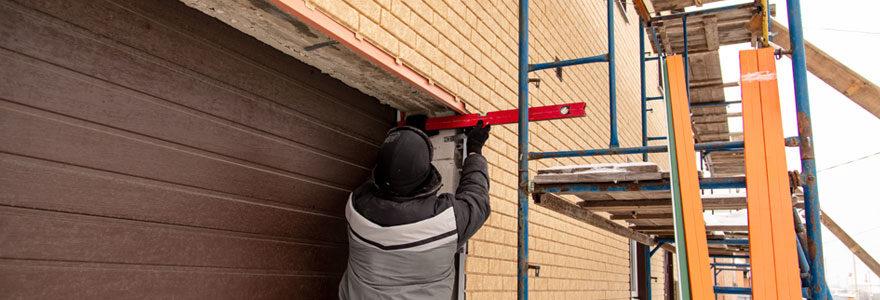 Expert pour la pose d'une porte de garage
