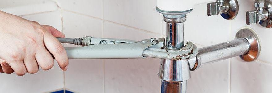 Qui contacter en cas de fuite d'eau à Paris ?